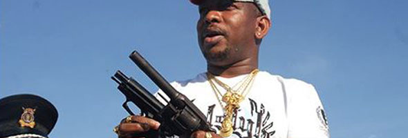 mike-sonko-with-gun